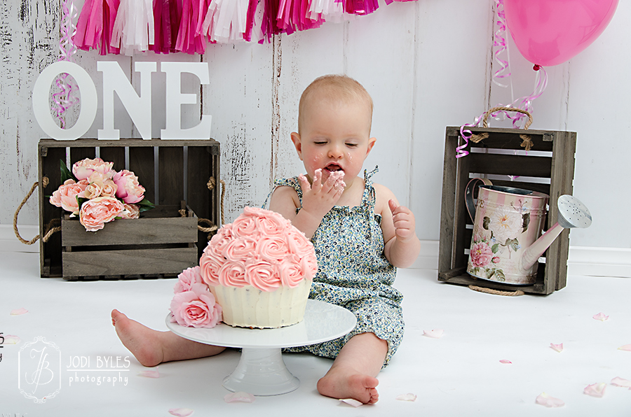 Jodi-Byles-Photography,-Cake-Smash-Gallery